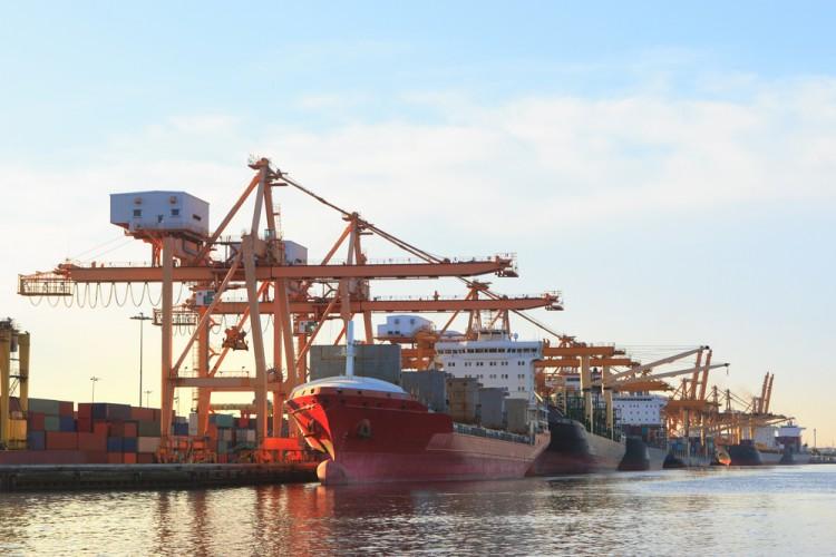 """Türkiye'ye gelen """"En Büyük"""" Konteyner Gemisi Asyaport Limanı'nda!"""
